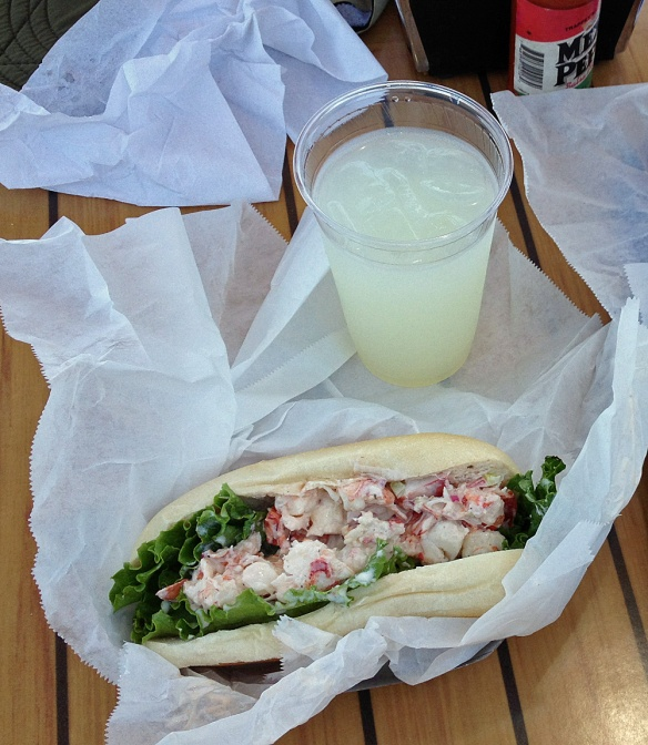 Main Lobster in a Roll with Lemonade - Pt. Loma Seafoods